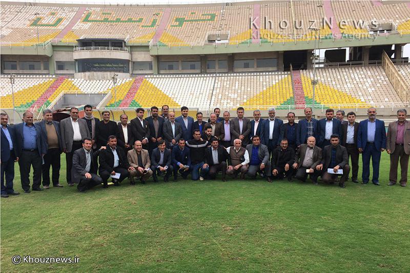 نشست هم اندیشی مدیرکل ورزش با روسای هیاتهای فوتبال استان برگزار شد