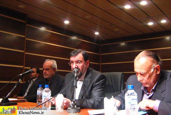 محسن رضایی  در نشست مسئولان دفاتر ارتباطات مردمی خود در اهواز