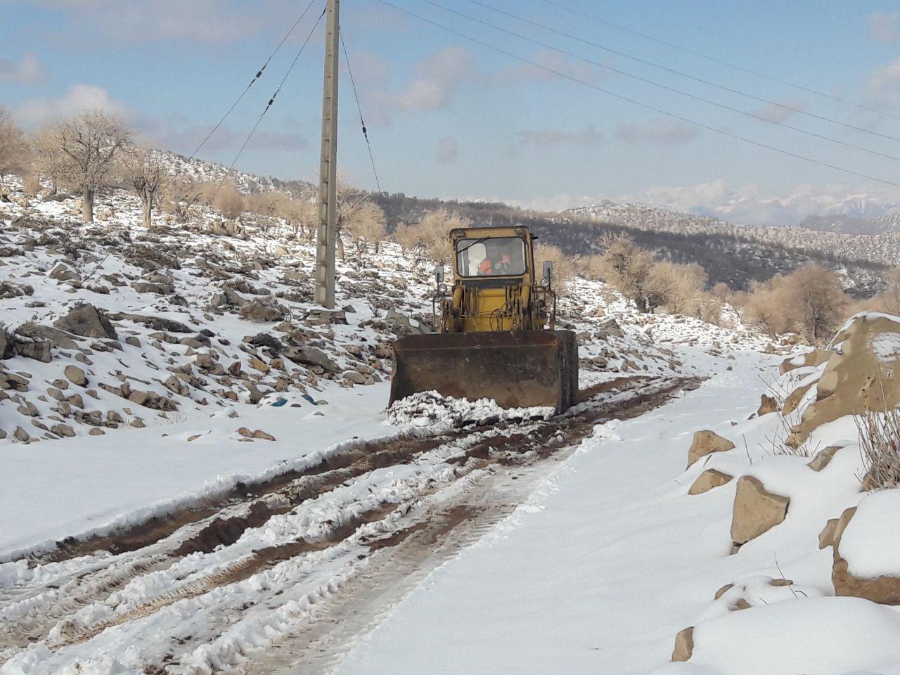 مسیر روستاهای برفگیر دزفول بازگشایی شد