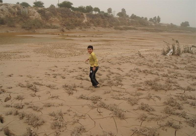وزیر نیرو مردم هندیجان را از یک فاجعه محیط زیستی نجات دهد