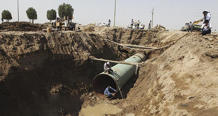 مشکل آب آبادان و خرمشهر تا 15 تیر برطرف می شود / تامین آب از رودخانه کرخه و طرح غدیر