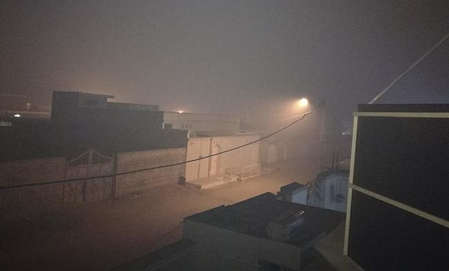 آتش گرفتن نیزارهای هورالعظیم عامل دود غلیظ در هویزه و سوسنگرد+عکس
