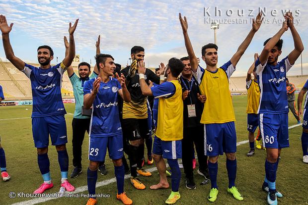 تصاویر / دیدار تیم های استقلال خوزستان و پدیده
