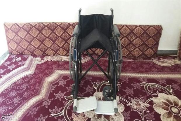 جمعآوری درب بطری برای خرید ویلچر و عصا برای معلولان