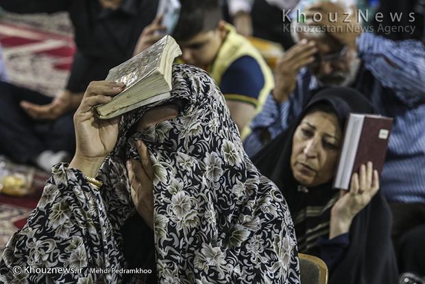 تصاویر / مراسم احیای شب بیست ویکم ماه رمضان در مصلی امام خمینی(ره) شهر اهواز