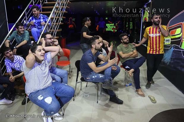تصاویر / تماشای دیدار تیم ملی فوتبال ایران و اسپانیا در اهواز