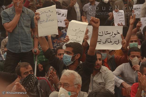 تصاویر/ اجتماع اعتراضی جمعی از شهروندان اهوازی مقابل استانداری خوزستان