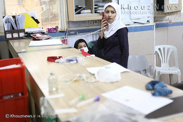 تصاویر/ اورژانس بیمارستان امام اهواز در یک روز خاکی / 2